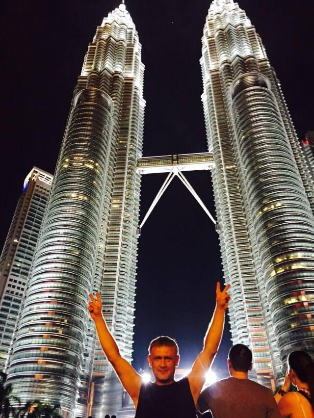 Башни Петронас в Куала Лумпуре, Малайзия